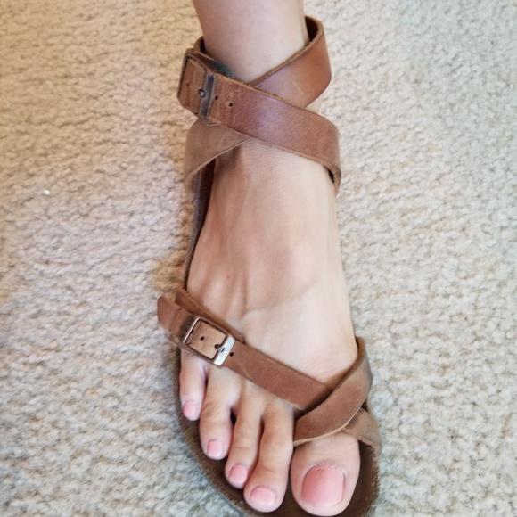 cd6362fdaac7 Birkenstock Shoes - Rare Birkenstock Yara antique brown